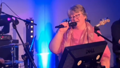 Therese Coffey singing at the Conservative Party conference